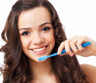 Implantų priežiūra ir higiena
