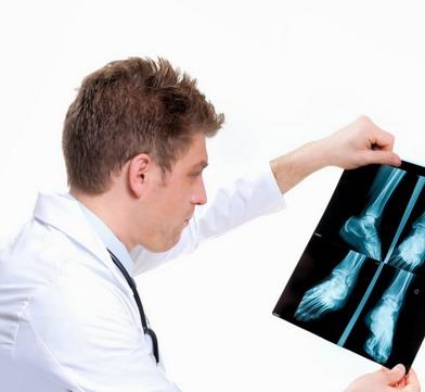 Ortopedijos klinikos gydytojas